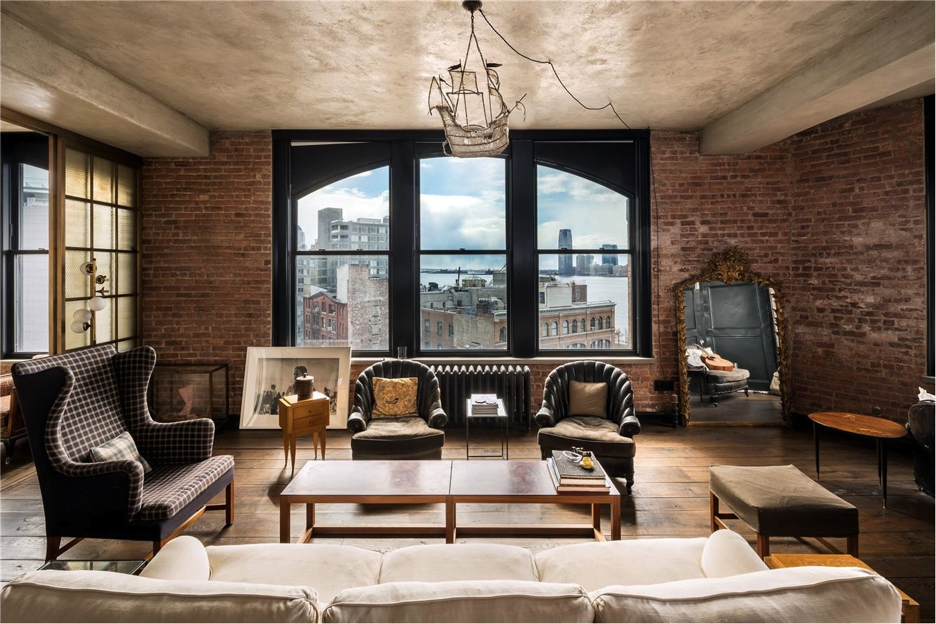 Chez kirsten dunst soho new york elephant in the room for Interieur loft new york